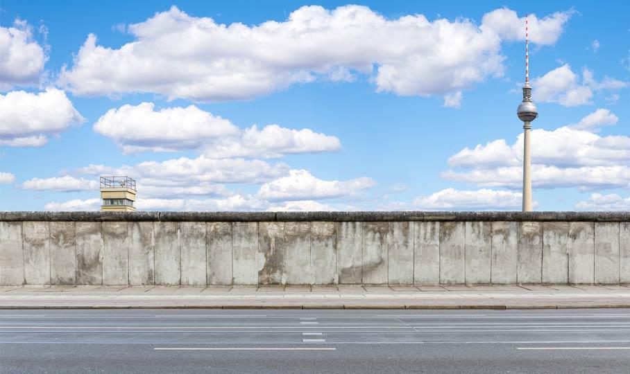 Berliner Mauer mit Fernsehturm