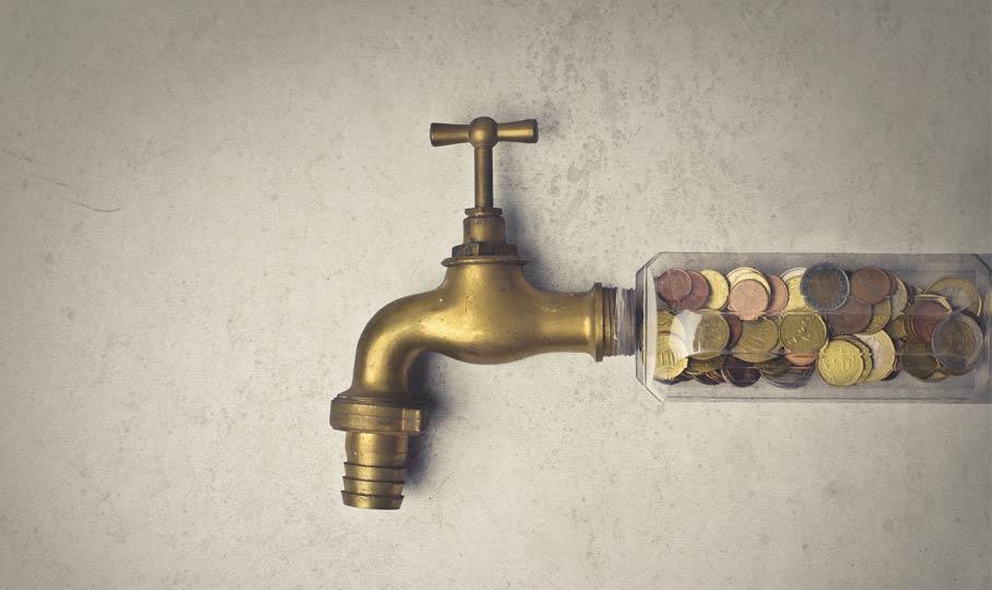 Wasserhahn mit Geld